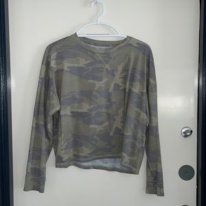 Abercrombie Fitch top Large